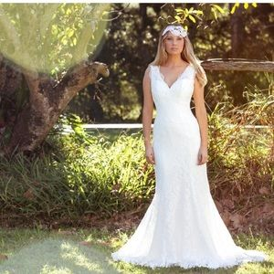 Mia Solano Anazella wedding dress